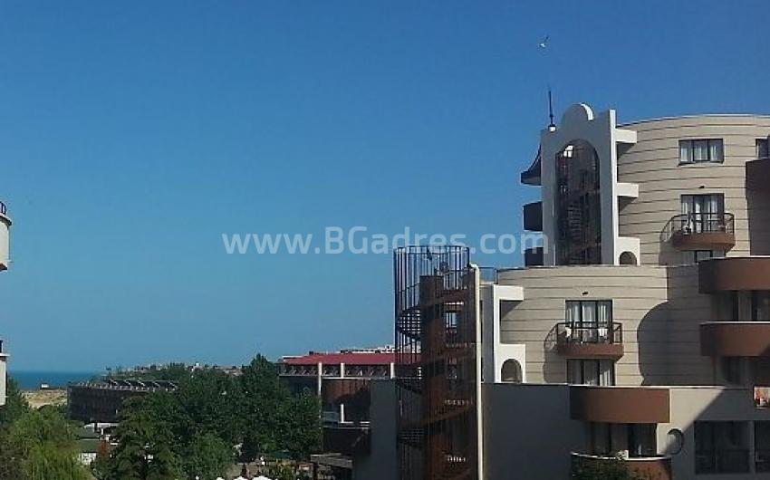 One-bedroom apartment furnished near beach profitable