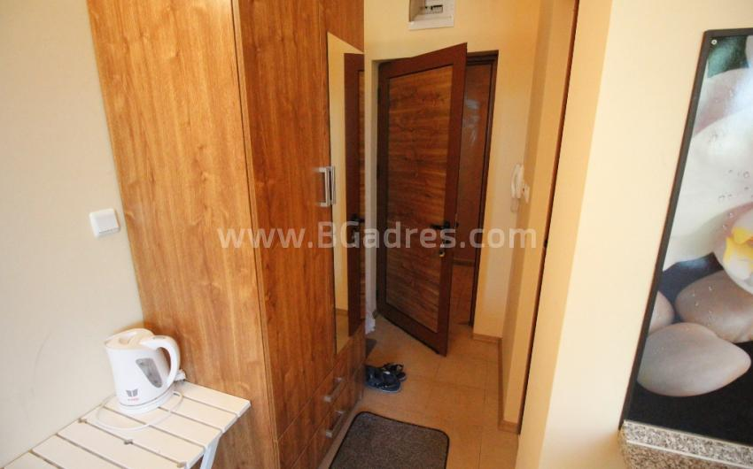 Cheap studio with a low maintenance fee in Sunny Beach