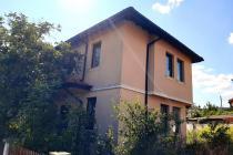 Нова двуетажна къща без такса за обслужване