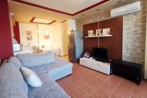 Двухкомнатная квартира с двориком в Созополе