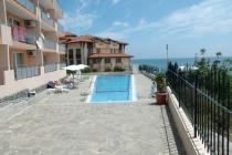 Купи голям двустаен апартамент с изглед към морето в Свети Влас