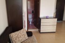 Голямо студио с мебели в отлично състояние в Равда