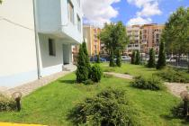 Resale at bargain price in Sunny beach - the courtyard of the complex