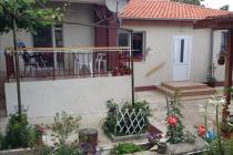 Къща със собствен двор за постоянно место жителство близо до Бургас