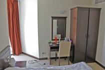 Двустаен обзаведен апартамент на първа линия в Поморие