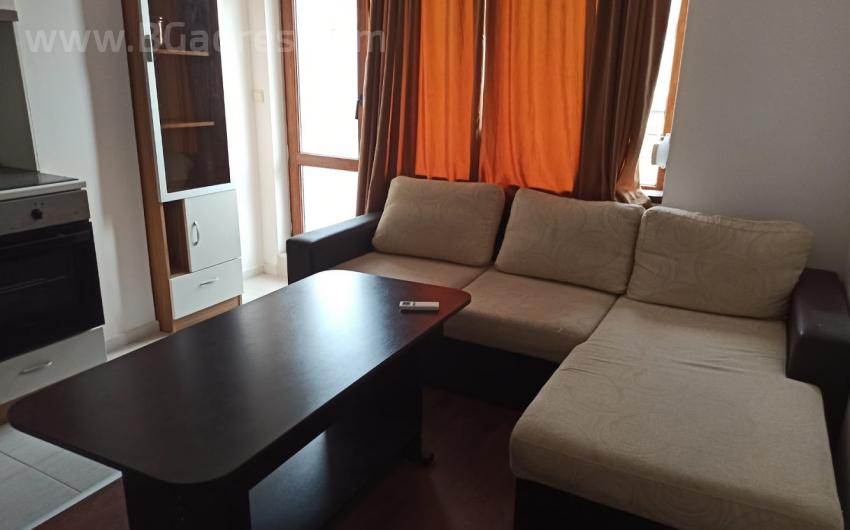 Apartment with a low housekeeping service fee in Ravda | No. 1728
